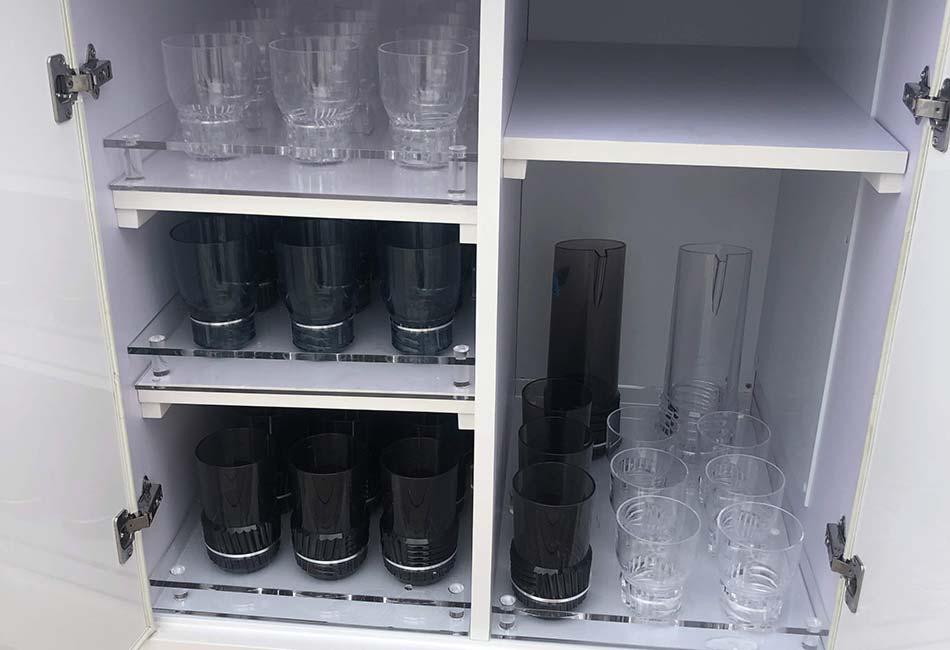 lavori-plexiglass-cerbone-components-porta-bicchieri